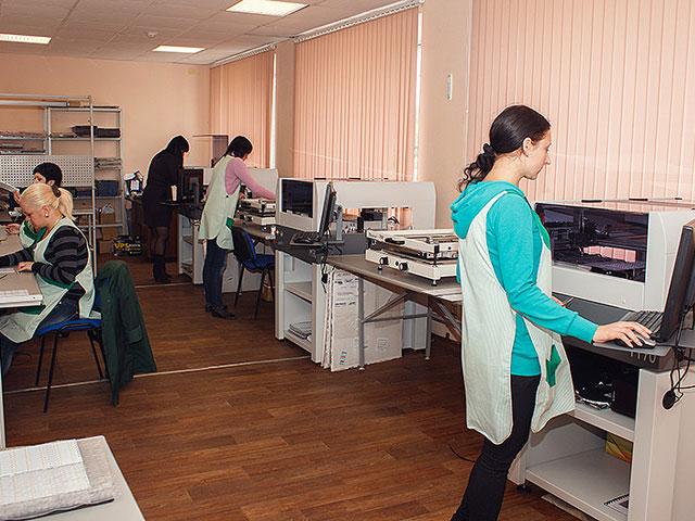 Цех SMD-монтажа светодиодов компании ИНТЕССО